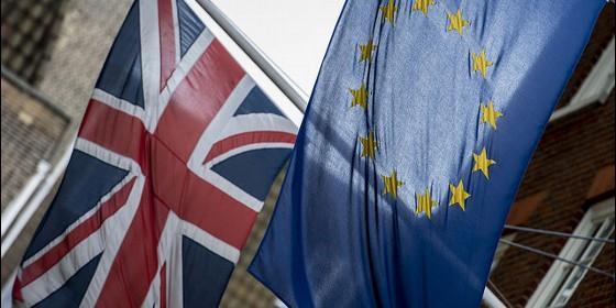 Gran Bretaña: Reina Isabel II dio su consentimiento para dejar la UE