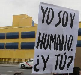 Protesta frente al CIE de Aluche