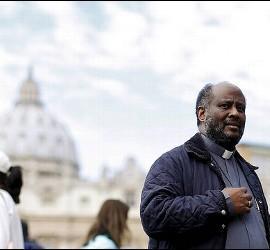 El padre Mussie Zerai