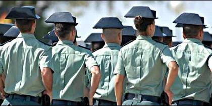 Guardia Civil, Benemérita, tricornio.