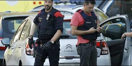 La Policía sigue la pista al yihadista de la furgoneta.
