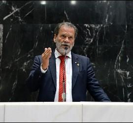 El diputado Durval Ângelo