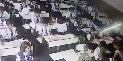 Profesora pega a alumno