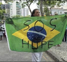 Los obispos del país proponen ayunar y orar por Brasil