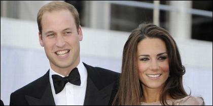 Kate Middleton 'Ctalina' y el príncipe William 'Guillermo'.