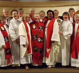 Hacia la ordenación de mujeres y su igualdad de derechos