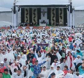 Altar para la misa en Medellín