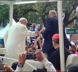 El papa se despide de Bogotá
