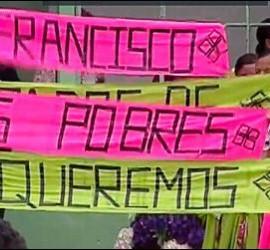 Cartel para el Papa en Medellín