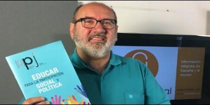 Juan Carlos de la Riva, director de la Revista de Pastoral Juvenil