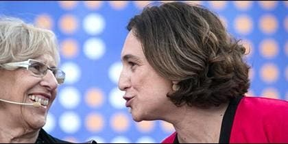 Manuela Carmena y Ada Colau.