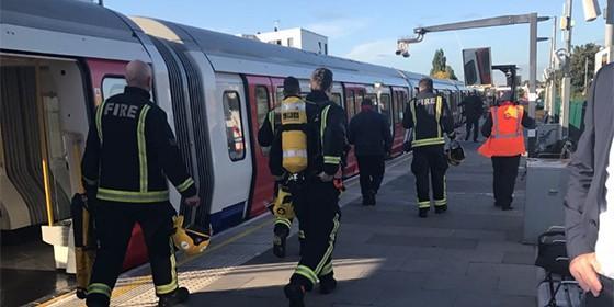 Los bomberos en Parsons Green.