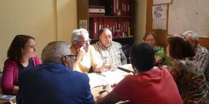 Miembrossde Asociaciones vecinales, con la Portavoz de Ciudadanos, Pilar Vicente