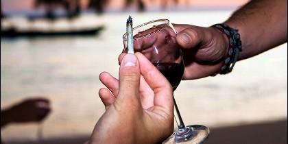 Alcohol y porros