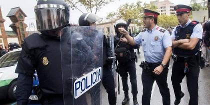 Discusiones entre la Policía y los Mossos.
