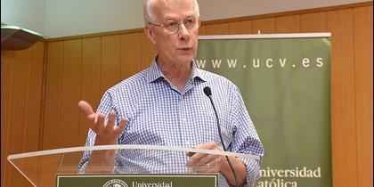 Richard J. Roberts, en la UCV