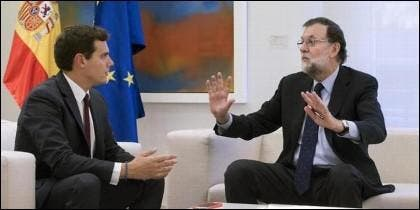 Albert Rivera (CIUDADANOS) con Mariano Rajoy (PP).