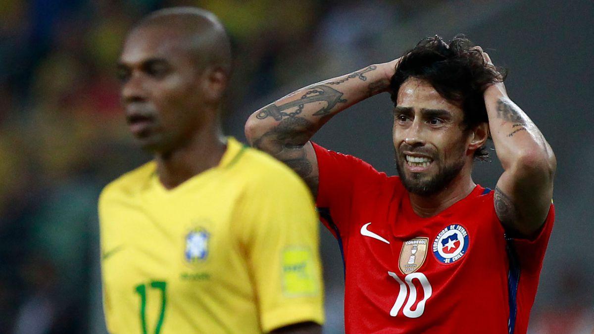 Chile quedó eliminado del Mundial de Rusia 2018 después de perder por 3-0 contra Brasil.