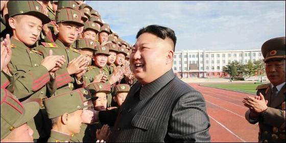 Kim Jong-un con estudiante de Corea del Norte.