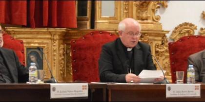 Monseñor Barrio, arzobispo de Compostela, en las Jornadas de la UPSA