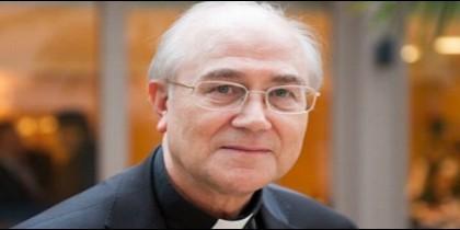 El obispo de Almería, Adolfo González Montes