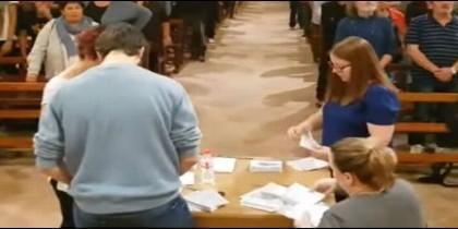 Recuento de votos en una parroquia de Tarragona el 1-O