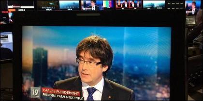 Entrevista al prófugo Puigdemont en la RTBF belga.