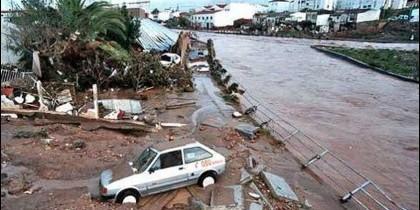 Destrucción causada por la riada de Badajoz