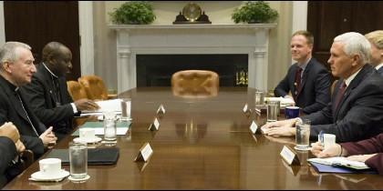 El número dos de Donald Trump recibe al cardenal secretario de Estado del Vaticano