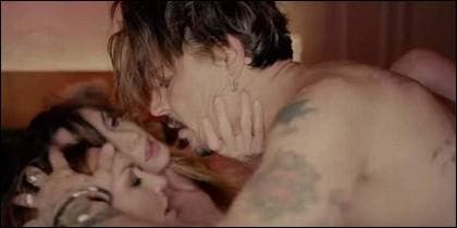 Johnny Depp con Marilyn Manson en videoclip de 'Kill4me'.
