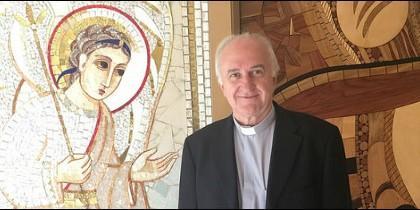 Fernando Fuentes, en la puerta de la capilla de la CEE