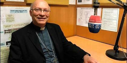Monseñor Fernando Ramos, obispo auxiliar de Santiago de Chile