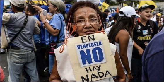 Hambre, colas, escasez y represión en la Venezuela chavista.