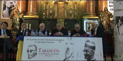 Mesa de inauguración de la semana-homenaje a Tarancón