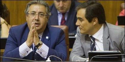 El ministro Zoido y José Antonio Nieto.