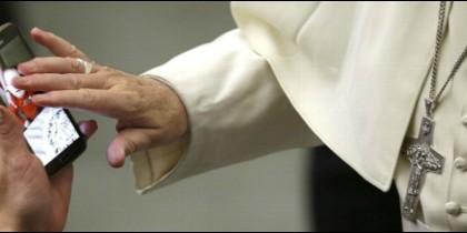El Vaticano desmiente que el Papa utilice WhatsApp
