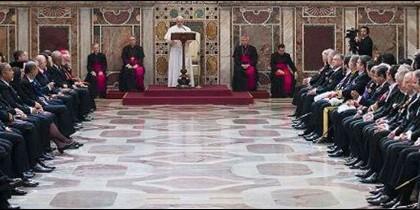 Discurso del Papa a los embajadores