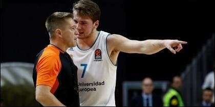 Luka Doncic protestando al árbitro en Euroliga (REAL MADRID).