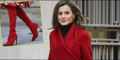 Doña Letizia con un look rojo total
