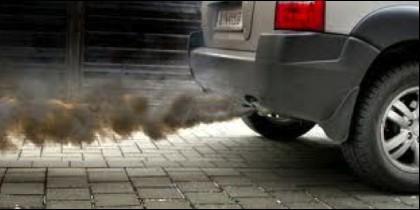 El coche, los combustibles fósiles, gasolina, gasoil, medio ambiente y contaminación.