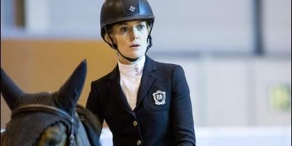 Marta Ortega a caballo