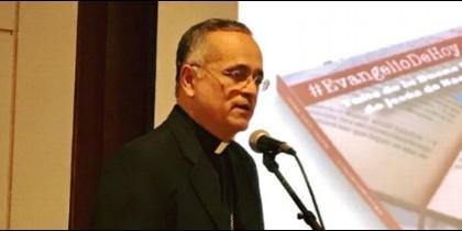 Monseñor Báez presenta su nuevo libro