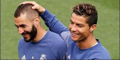 Benzema con Cristiano Ronaldo (REAL MADRID).