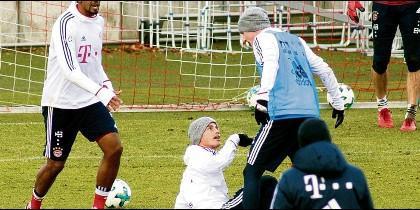 Altercado entre James Rodriguez y Sebastian Rudy en el entrenamiento del Bayern Munich.