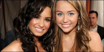 Demi Lovato y Miley Cyrus.