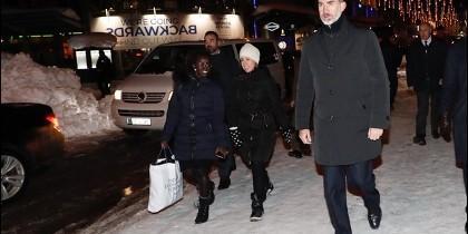 El Rey se reunirá este miércoles en Davos con Macron y Abdalá de Jordania