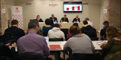 'Vidas precarias': informe de Cáritas Barcelona