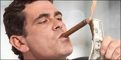 Millonario, dinero, forturna, derroche, tabaco.