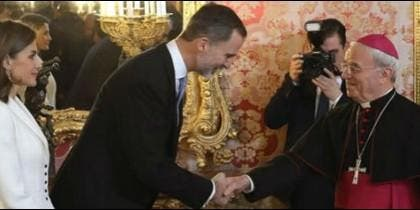 El Nuncio se felicita por 'la unión' de 'un gran país' como es España