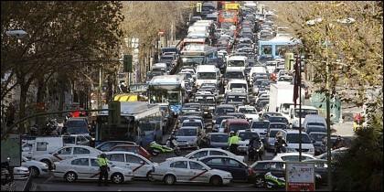 Atasco de tráfico en Madrid.